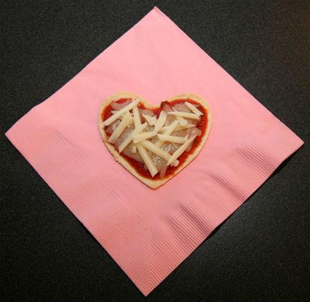 mini-pizza hearts sized