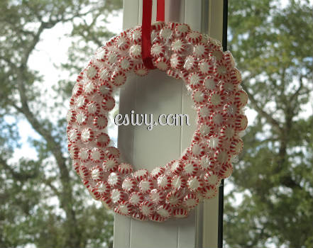 DIY Christmas decoration peppermint wreath